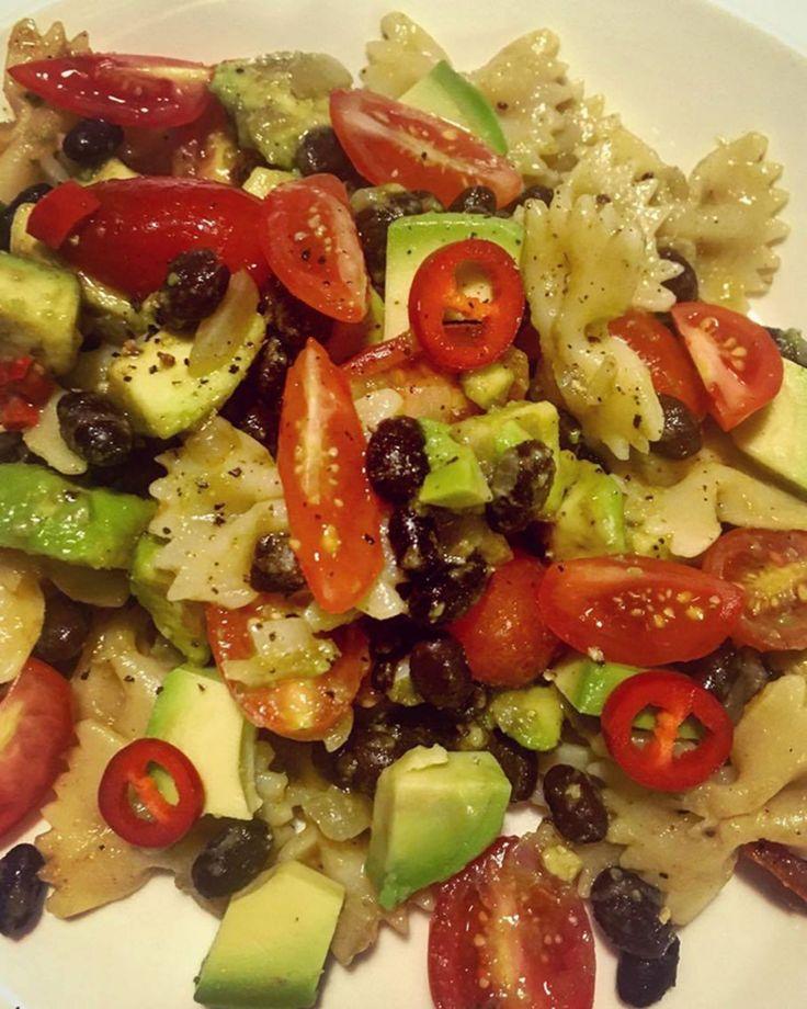 Arjen todellinen sankari on vegaaninen pastasalaatti, joka valmistuu vartissa pienenkinlähikaupan aineksista.