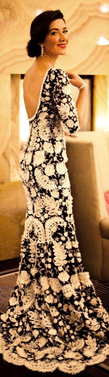 Oscar de la Renta http://sulia.com/channel/fashion/f/432531b8-2314-497e-8bcb-b642eb7e0833/?source=pin&action=share&btn=small&form_factor=desktop&pinner=125430493