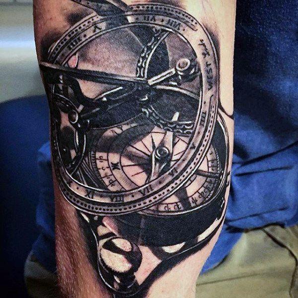 75 Schwarz Weiss Tattoos Fur Manner Masculine Ink Designs Mann Stil Tattoo Tattoos Tattoos For Guys Tattoo Designs