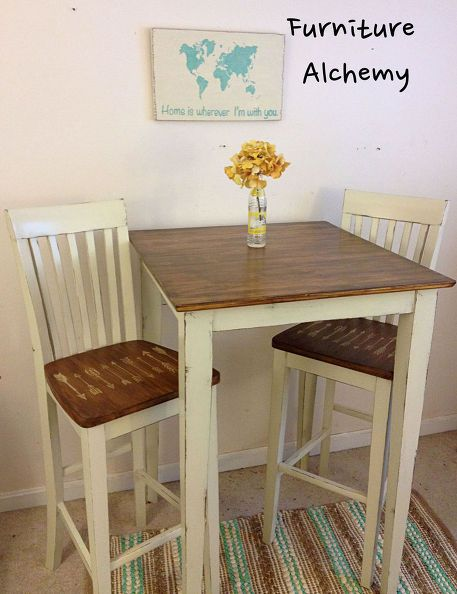 They took a dumpster table and chairs and made it over into a farmhouse chic breakfast table