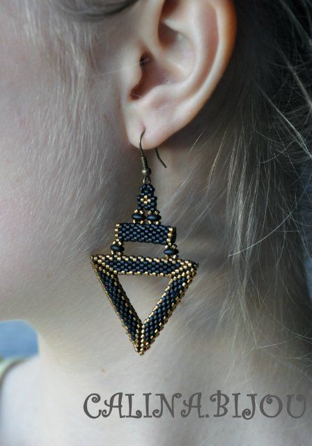 nice way to use a triangle and tube for an earring.