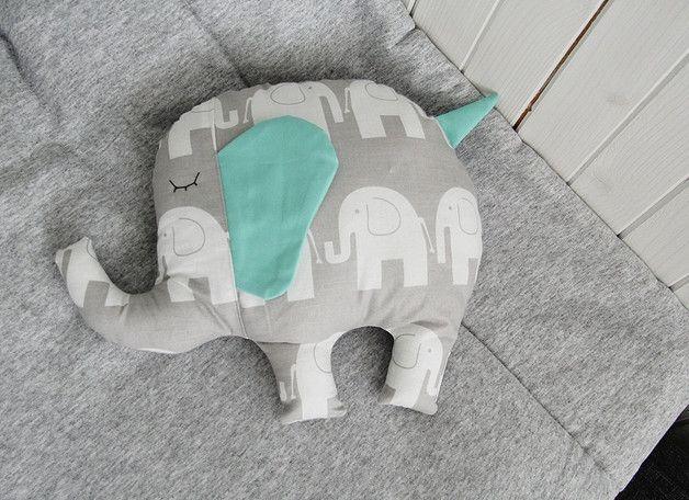 Der Elefant ist das perfekte Kissen für Kinder, von den ersten Momenten des Lebens. Die Ohren und Schwanz wir unerfüllt, so dass kleine Hände haben etwas angegangen werden. Trompete hat eine...