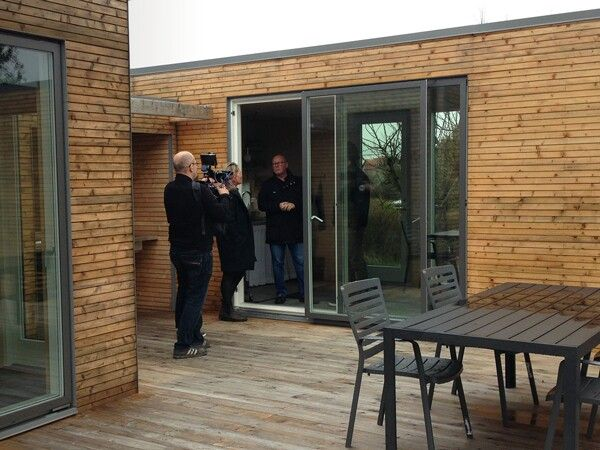 IN ACTION!  During the past couple of days the European TV channel ARTE, has been visiting Add a Room to report about the concept behind Add a Room. It was a great experience to visit some of our customers together with ARTE and see how they live in our houses. http://addaroom.dk/en/
