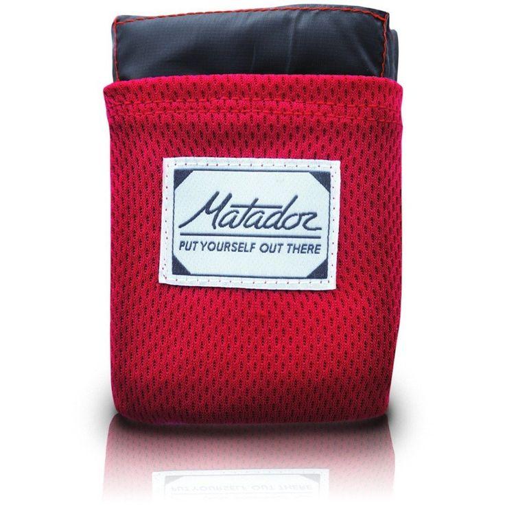matador-manta-picnic No te sientes más en el suelo húmedo. Esta manta para picnic es impermeable y se lleva totalmente plegada en un bolsillo. Mide 1,60 x 1,10 m.