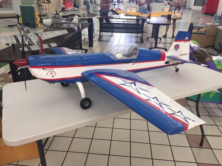 EXHIBICION DE NAVES DE AEROMODELISMO Ven a ver esta tremenda exhibición de aviones a control remoto y disfrútala con toda tu familia. Desde hoy hasta el domingo. ¡Te esperamos!