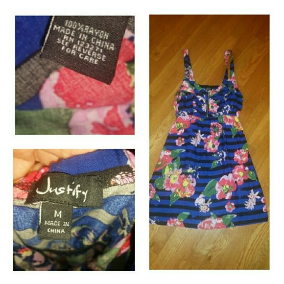 Brand New Super Cute Dress Sz Medium little dress in vibrant floral!!! Zips in front ...100% rayon...JUNIOR SIZING Justify Dresses