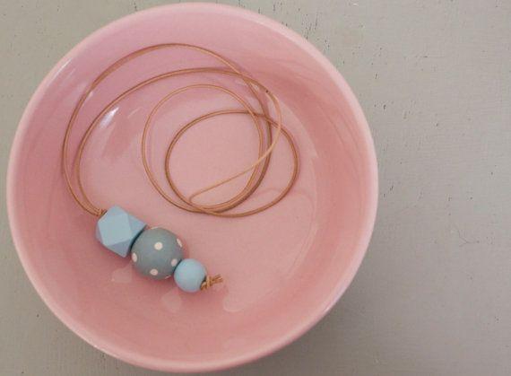 collana pois blu pastello, collana blu chiaro pastello con pois bianchi, pois, accessori donna, collana, collana, fatta a mano