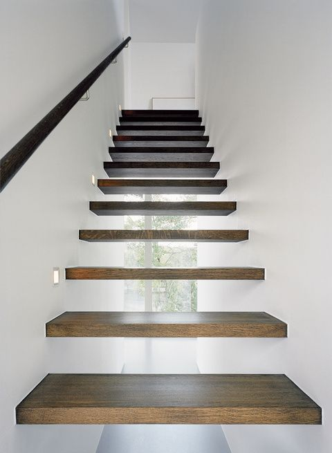Floating staircase. looks really cool.  i dont think it would work with my decore and style but i think its really neat to look at. great conversation piece for sure.