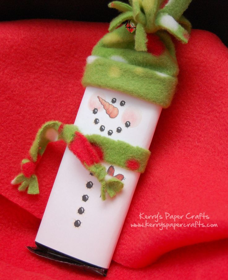 Darling Snowman Candy Bar Cover! Perfect gift and super easy DIY Christmas craft for kids!