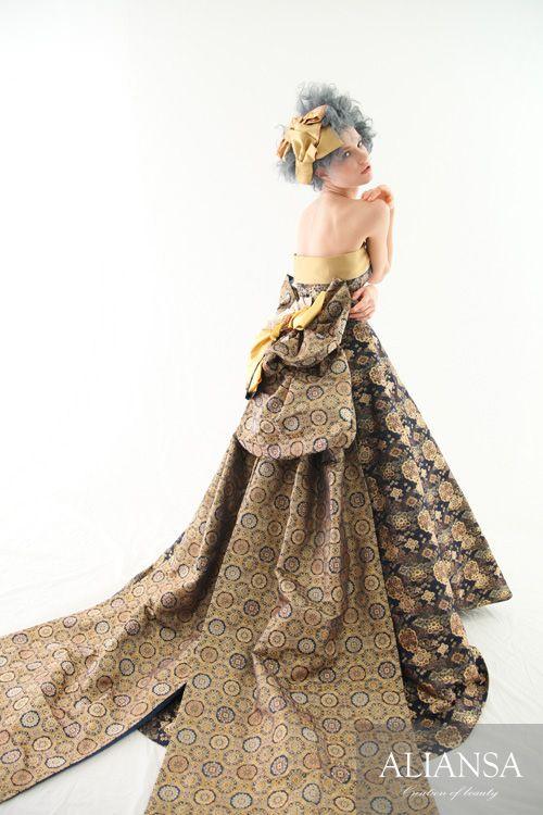 和ドレス 着物ドレス 紺・ゴールドのAライン