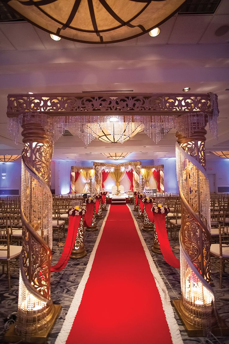 Crowne Plaza Executive Park Hotel In Charlotte Was Transformed For Sumana And Neils Wedding