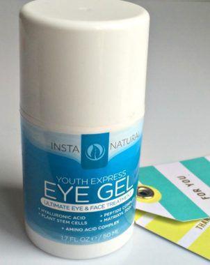 Dieses tolles Augengel von Insta Natural wirkt abschwellend und gegen Augenringen. Love it :)