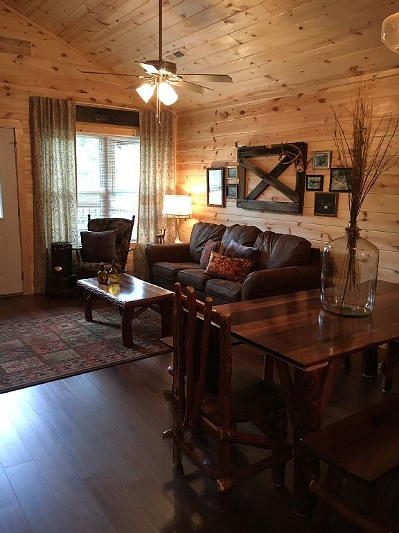 Snowy Evening -New Cabin- Pigeon Forge, Tn... - VRBO
