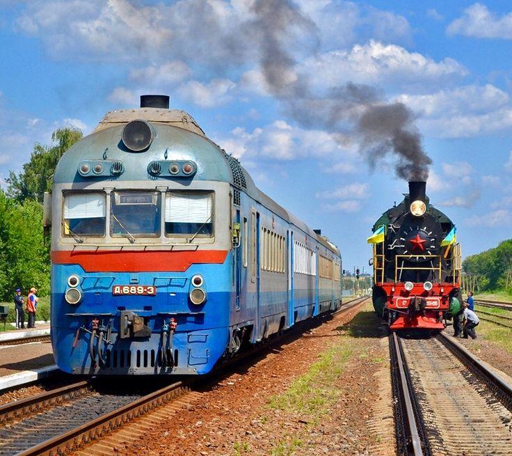 Ganz–MÁVAG DMU from D1 series at Zlynka in Ukraine