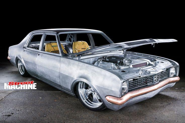 Holden -HT-Kingswood -bonnet -up