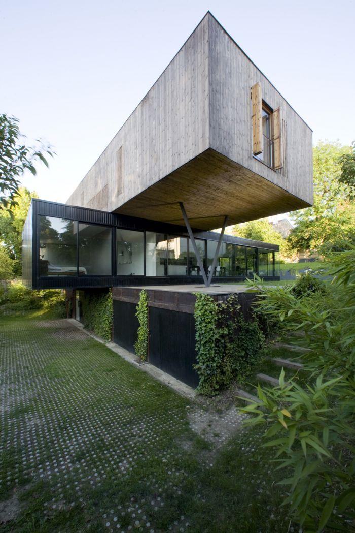 La maison de  Sèvres: une conception simple avec les cubes