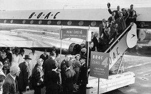 first Trans Atlantic passenger jetliner service