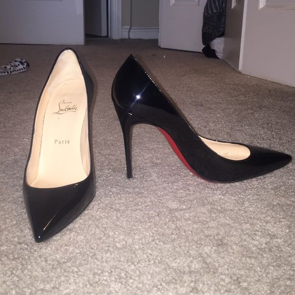 Open to offers! Christian Louboutin Décolleté 100 😍Décolleté 100 black patent leather- Authentic😍 Christian Louboutin Shoes Heels