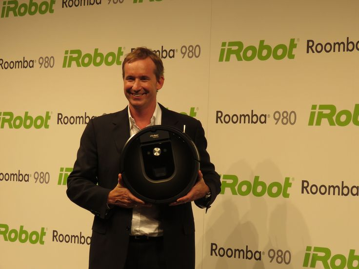 先日既にプレスリリースにて発表されていますが、ロボット掃除機を初めとしロボティック分野で25年ものノウハウと実績を誇るiRobot社のルンバ最新モデル「980」の新商品発表会が、9月29日ラフォーレミュージアム六本木にて行われました。
