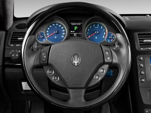 2014 Maserati Quattroporte S Q4 Cockpit