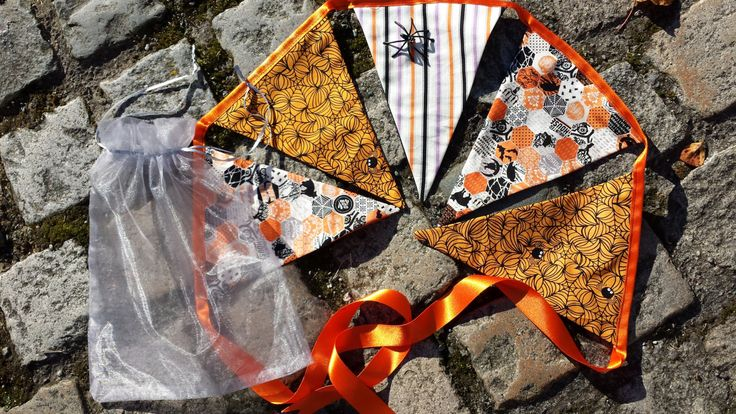 Halloween Bunting Pennant Flags - by Stitcherybox on Etsy
