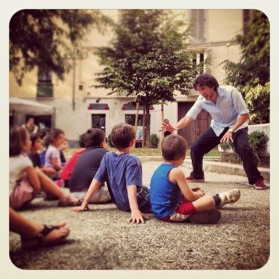 52 FIABE. Stiamo collaborando con questa bella iniziativa, che parte dalle piazze per raccontare 52 fiabe, a bambini e adulti. Una fiaba a settimana per un pubblico che pian piano cresce, per una città che vive nelle sue piazze.  http://52fiabe.wordpress.com/