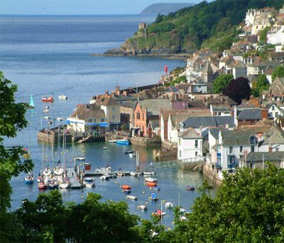 Gorgeous Fowey.  Go crabbing from the pontoon, mooch around the shops or enjoy a Fatboy hot chocolate at Pinky Murphys!  20 mins drive from Tredethick Farm Cottages. www.tredethick.co.uk