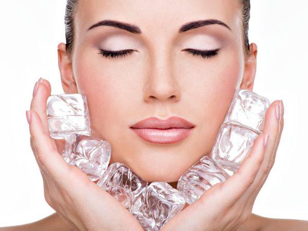 La #pelle del #viso è molto delicata. Appena sveglie, #massaggiate con del ghiaccio la pelle del #viso ed il #contorno #occhi. Poi tanta #crema #solare.http://www.sfilate.it/227448/massaggiatevi-ghiaccio-prima-esporvi-sole