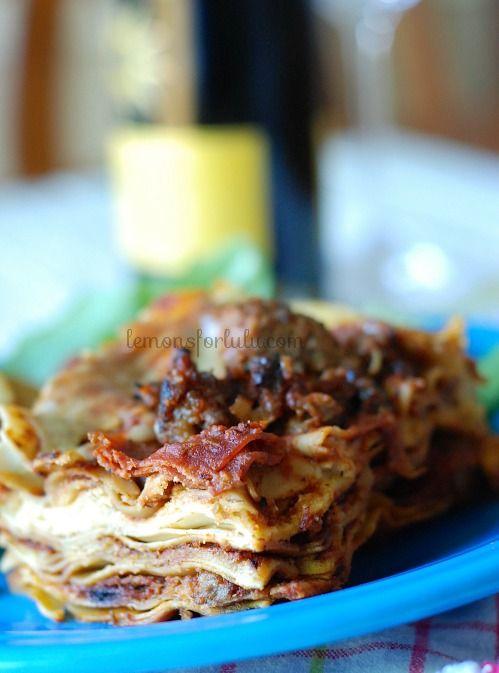Crockpot Pizza Lasagna on MyRecipeMagic.com #pizza #lasagna #recipe