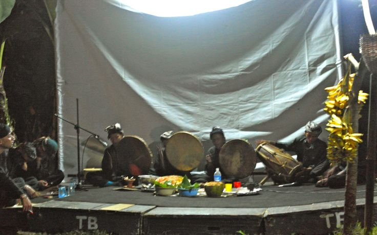 Terbangan: Mingling Trance Traditions Collide on the Urban Outskirts of Bandung