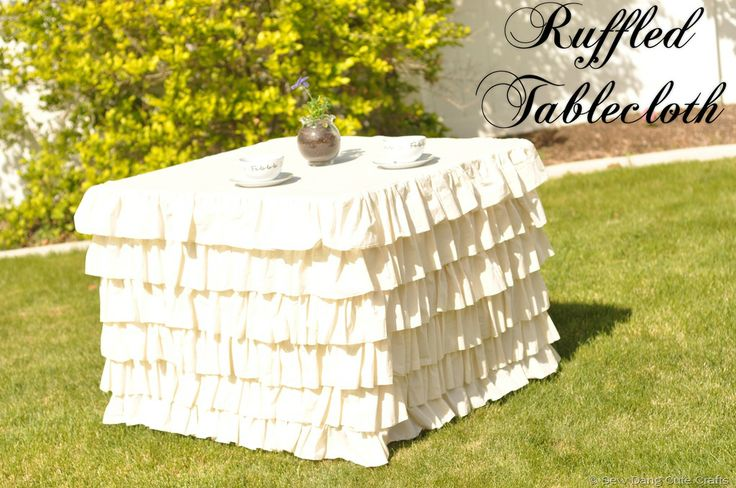 Ruffled tablecloth tutorial. I will be making this.
