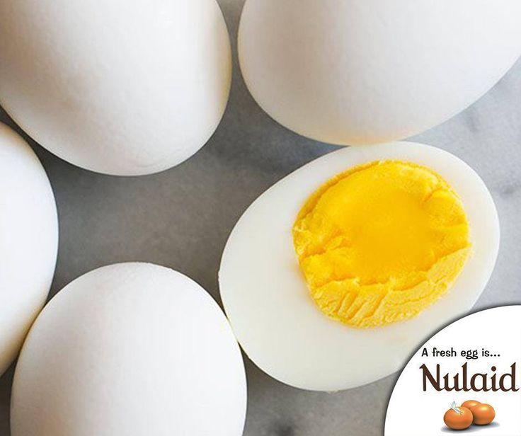We all love the perfect #boiledegg, here is a great way to ensure you have the perfect boiled egg each time. Start by placing fresh eggs in a pot filled with cold water and bring to a rapid boil. Then, remove from heat and cover. Let the eggs sit for 20 minutes, take them out of the water, peel and enjoy. Remember to catch #GrootOntbytSkoleKook! #Nulaid #TuesdayTip