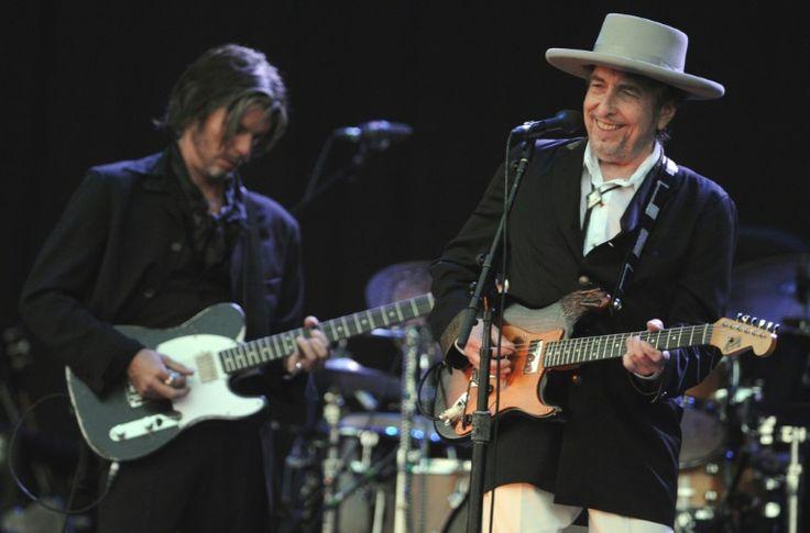 Après des mois d'incertitude et de controverse, Bob Dylan a finalement reçu samedi à Stockholm son prix Nobel de littérature lors d'une rencontre à huis clos avec les académiciens suédois qui l'ont distingué pour sa poésie.Thomas Mann, Albert Camus,...