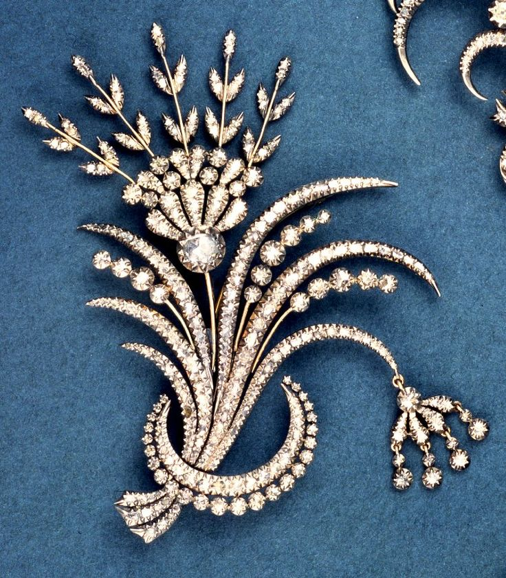 Aigrette; in form of crescent; trembler spray of flowers; silver and gold; closed-back; set with diamonds.  c1770.  Italy