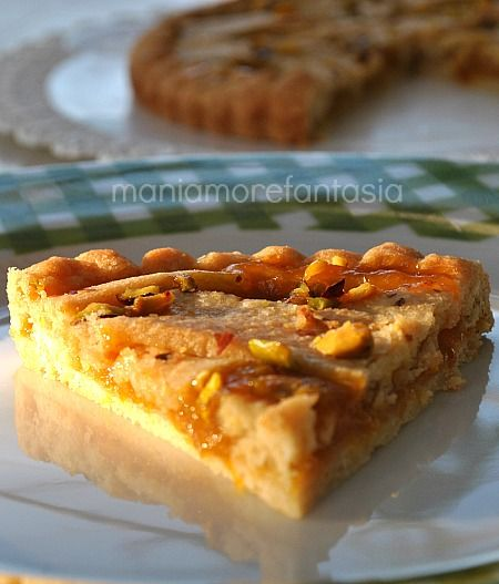 Crostata con marmellata di arance e granella di pistacchi