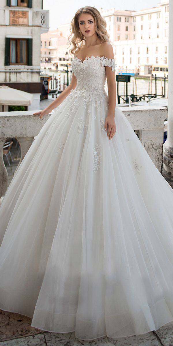 [211.00]  Fascinating Tulle Off-the-Shoulder A-Line Wedding Dress with 3D Lace Appliques & Beadings
