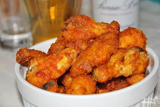 Время приготовления: 1 ч. 15 мин Куриные крылышки уже давно стали излюбленной закуской к пиву, а также отличным вариантом блюда для природы. Они недорогие...