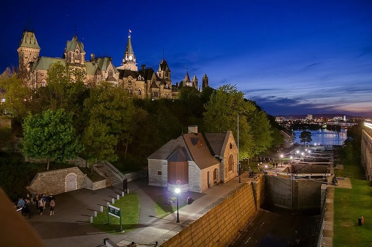 Rideau Canal / Parliament Hill by 'Rey de Guzman - Travel Locations Landmarks ( ottawa, parliament hill )