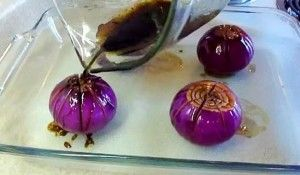 Si tienes muchas cebolla en tu despensa, tienes que probar esta alucinante receta! [ Vídeo]