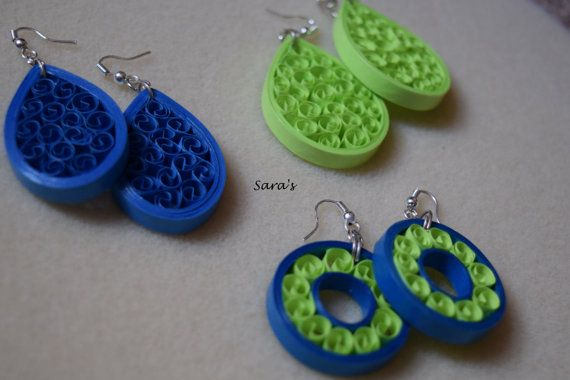 The Tear drops & the Donut dangles made in Orchid Blue and Apple Green are a beauty quilled to perfection. The classiness of these earrings can be