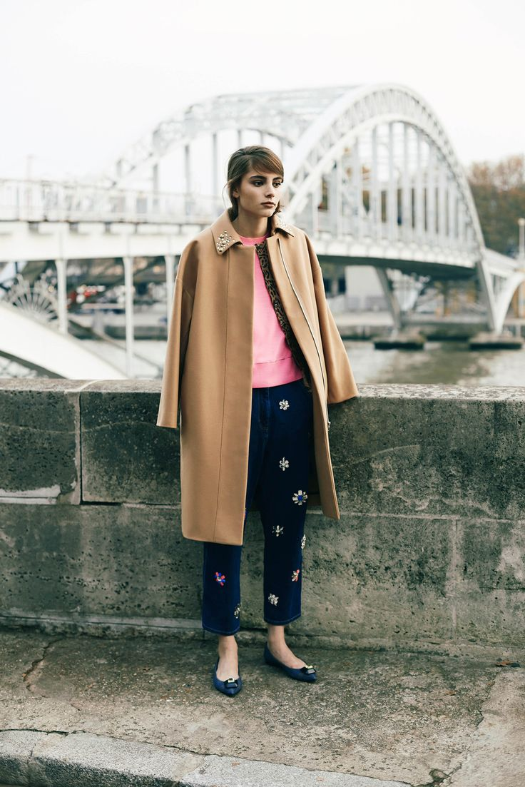 Sonia by Sonia Rykiel - Pre-Fall 2015: very sweet 60s style camel coat