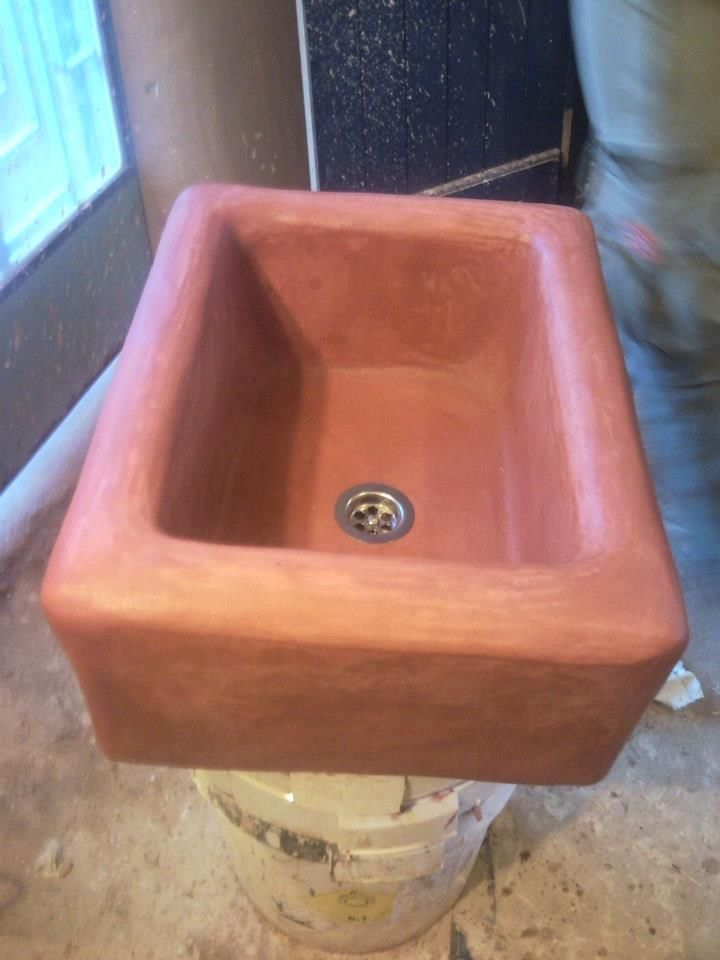 TADELAKT (Moroccan plaster). We constructed a beautiful washbasin, which we proofing with black soap and finally waxing hot linseed oil and melted beeswax.  The mixture used contains lime, marble dust, quartz sand and white cement in proportions 1.5: 3: 2: 1. All materials were sieved through a sieve with apertures of 0,5 mm. The mixture spreads easily and dries relatively quickly. can be applied with a trowel or spatula and a sponge.