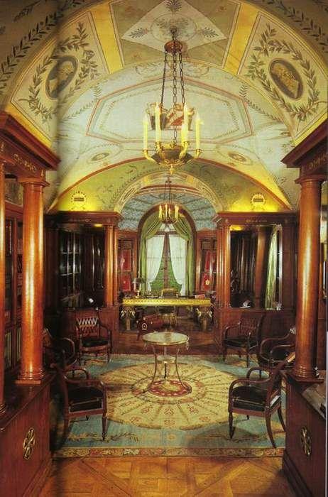 Librairie de Napoléon au château de la Malmaison ...