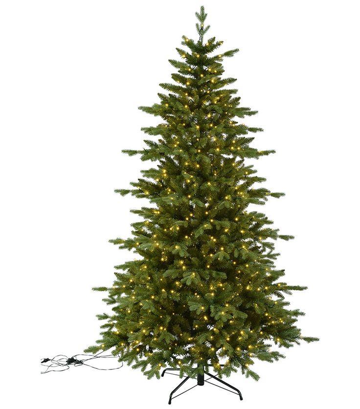 Larvik er et vakkert og realistisk grantre på 210 cm for deg som ikke kan eller vil bruke ekte grantrær. Juletrebelysning med 600 LED følger med og treet er egnet for utendørsbruk. Grenene er permanent satt fast med hengsler som slås ned ved montering.
