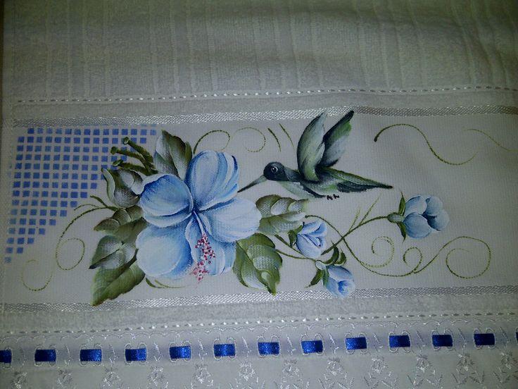 les 416 meilleures images du tableau peinture sur tissu sur pinterest peinture sur tissu sacs. Black Bedroom Furniture Sets. Home Design Ideas
