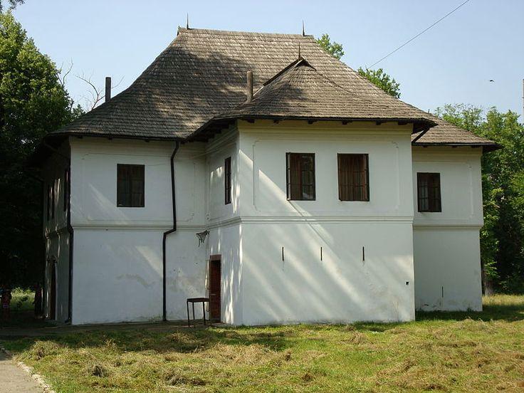Casa Glogoveanu (sec. XVII - XVIII),   sat Glogova; comuna Glogova