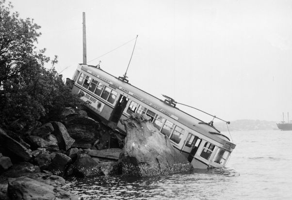 The Taronga Park Zoo tram overshoots in 1958.