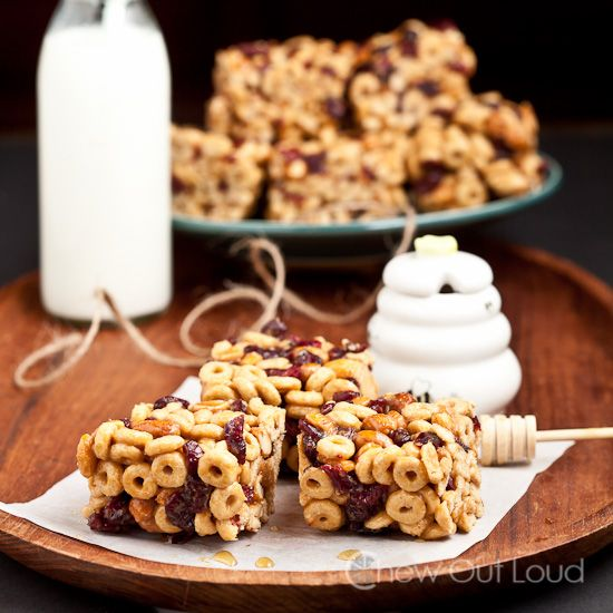 Peanut Butter Honey Cereal Bars (No Bake) - This is a great idea, I can use different types of cereal and add protein and almond meal to the Peanut or Almond Butter. Ohhh maybe Nutella ones???