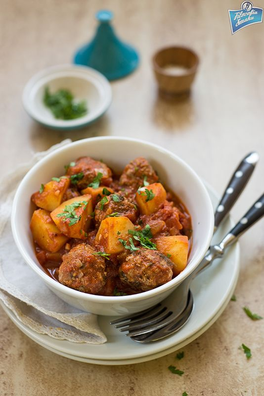 Potato and beef kefta stew/Potrawka z ziemniakami i koftami wołowymi