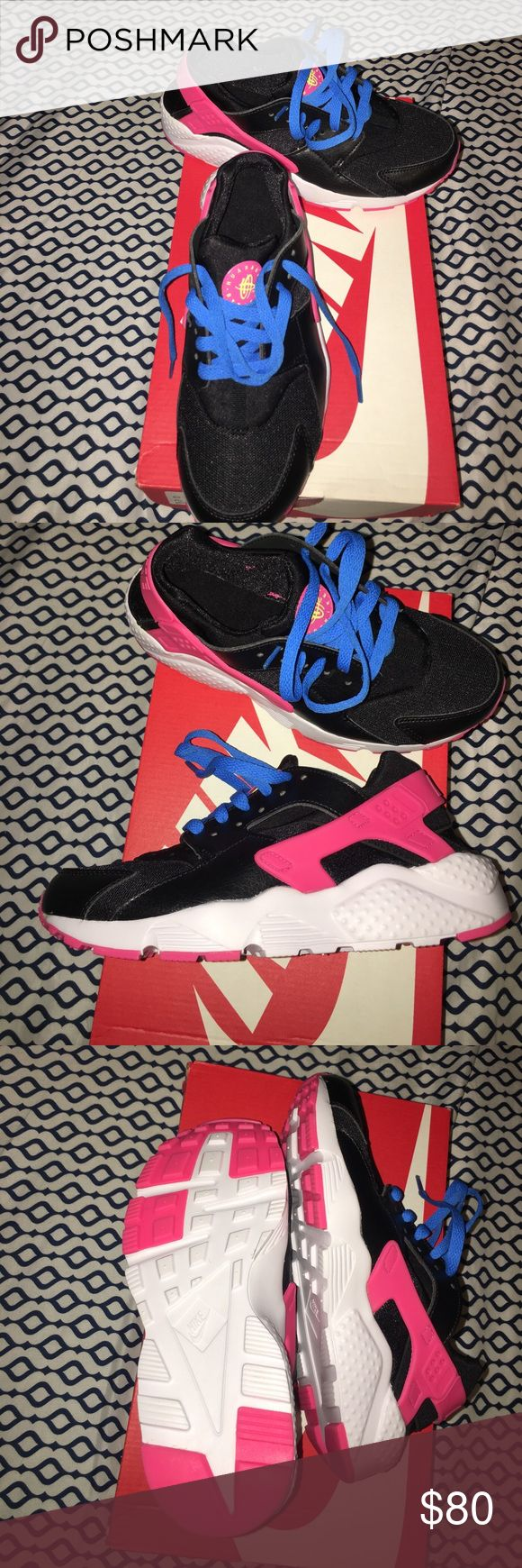 Nike pink and black shoes Nike huarache run brand new didn't fit me the laces can easily be replaced with black and white ones if the  blue ones don't work! I wear size 6 but they were a little too big for me. Nike Shoes Athletic Shoes
